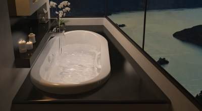 Bath Tubs High Quality Products From Kohler Elkay Grohe Rohl - Bathroom showrooms in ri